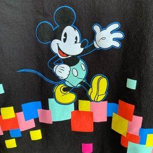 🍒💣 80's flashback Disneyland t-shirt